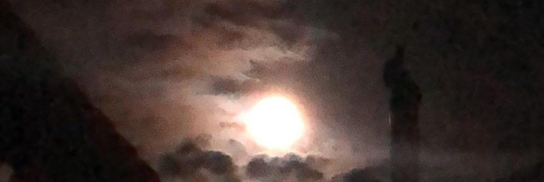La «superluna rosa» en nuestro pueblo